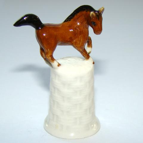 Cheval - Dé à coudre de collection en porcelaine